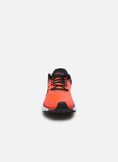 Chaussures de sport Under Armour UA HOVR Infinite 2 Rouge vue portées chaussures