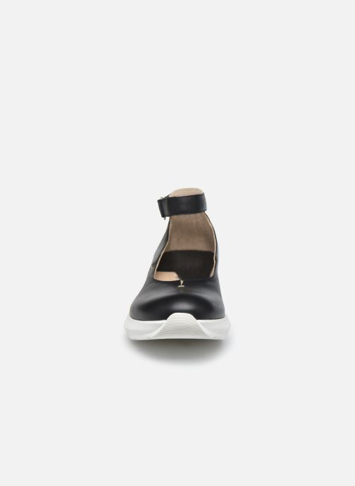 Ballerines Khrio OLIVIA 11524K Noir vue portées chaussures