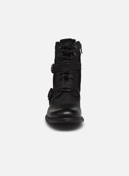 Bottines et boots Levi's Maine W Trk Noir vue portées chaussures