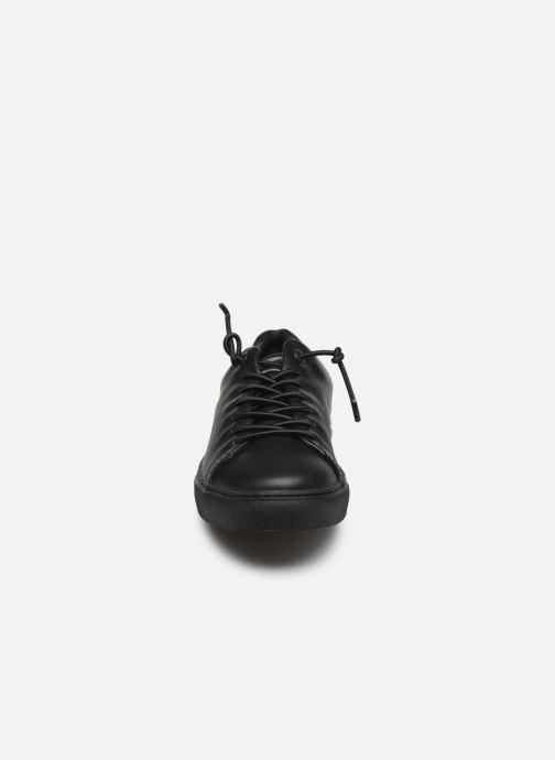 Baskets Levi's Vernon S 2 Noir vue portées chaussures