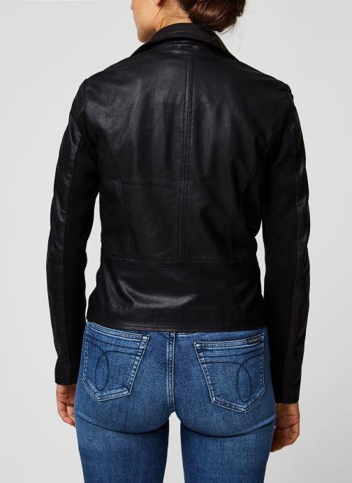 Vêtements Y.A.S YASSOPHIE LEATHER JACKET Noir vue portées chaussures