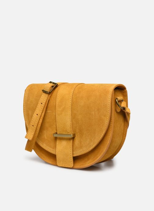 Bolsos de mano Georgia Rose Mori Leather Amarillo vista del modelo