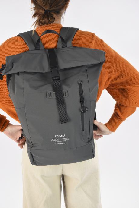 Rucksäcke Ecoalf SKOPIE BACKPACK grün ansicht von unten / tasche getragen