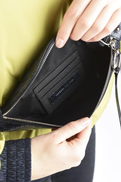 Handtaschen Rebecca Minkoff Mini Sling Python blau ansicht von hinten