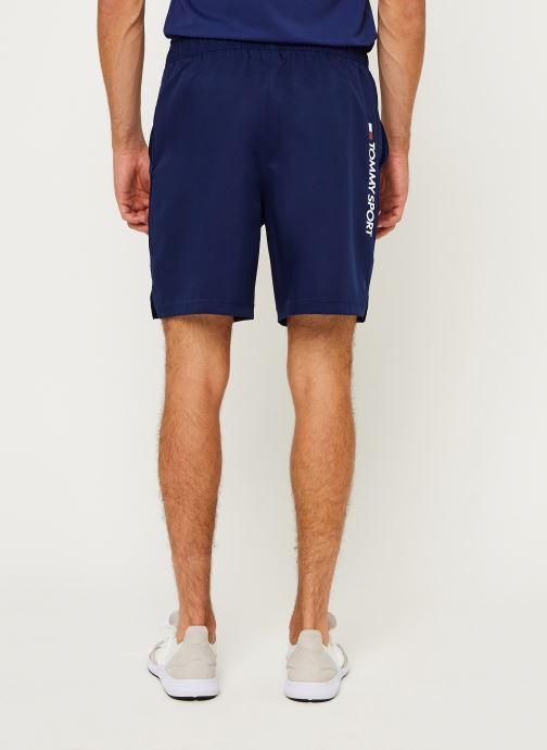 Vêtements Tommy Sport 7'' Woven Short Bleu vue portées chaussures