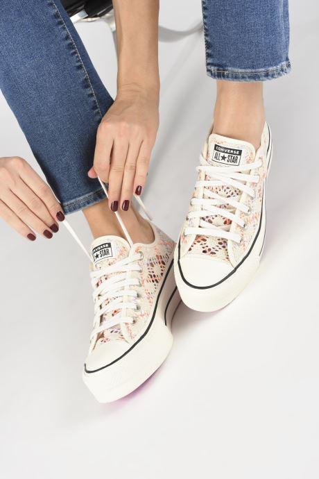 Sneaker Converse Chuck Taylor All Star Lift Boho Crochet Ox mehrfarbig ansicht von unten / tasche getragen