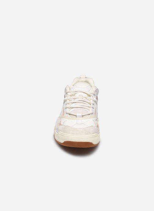 Baskets Vans UA Varix WC Blanc vue portées chaussures