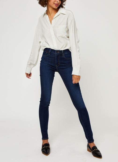 Vêtements Levi's 721™ High Rise Skinny Bleu vue bas / vue portée sac