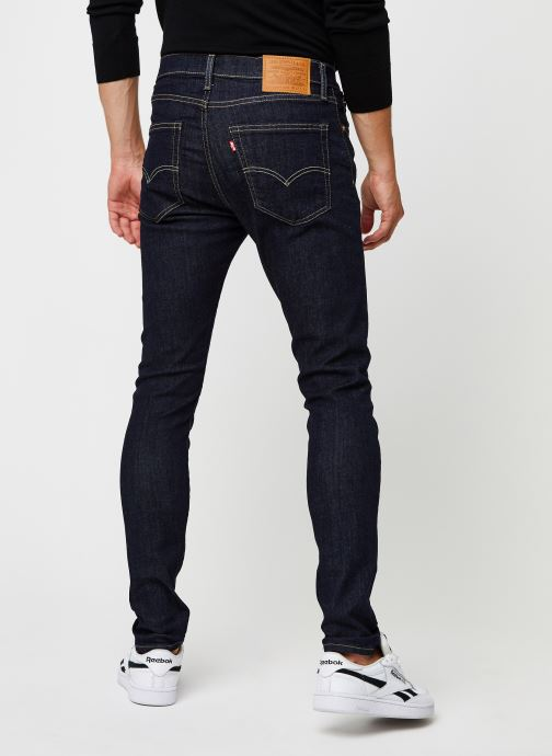 Vêtements Levi's SKINNY TAPER Bleu vue portées chaussures