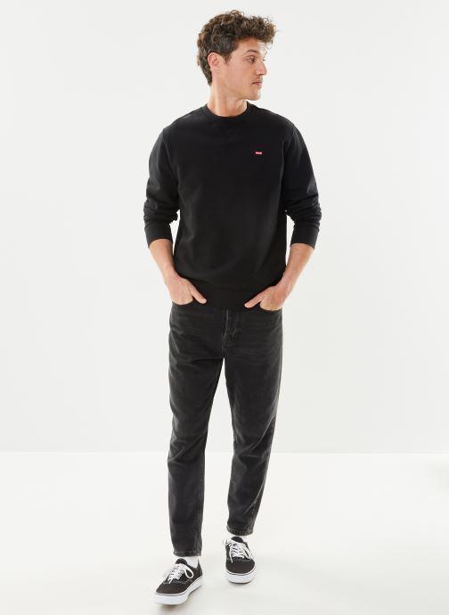 Vêtements Levi's NEW ORIGINAL CREW Noir vue bas / vue portée sac