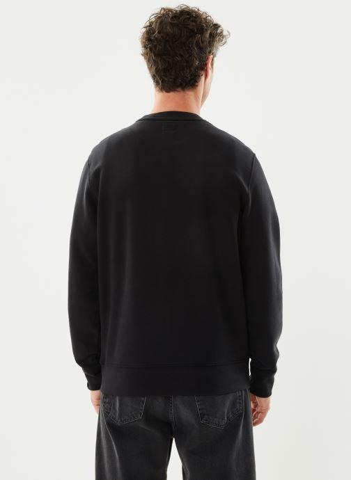 Vêtements Levi's NEW ORIGINAL CREW Noir vue portées chaussures