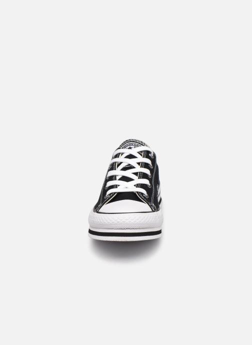 Sneakers Converse Chuck Taylor All Star Platform EVA Everyday Ease Ox Nero modello indossato