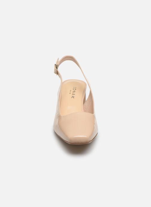 Zapatos de tacón Jonak Dahlia Beige vista del modelo