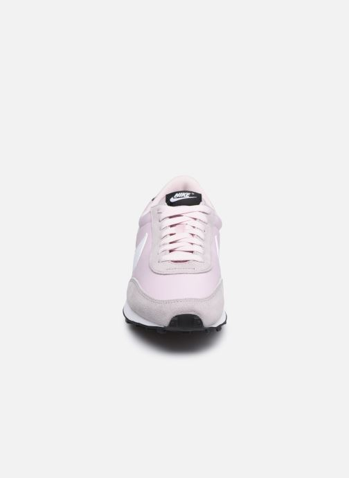 Deportivas Nike W Nike Dbreak Rosa vista del modelo