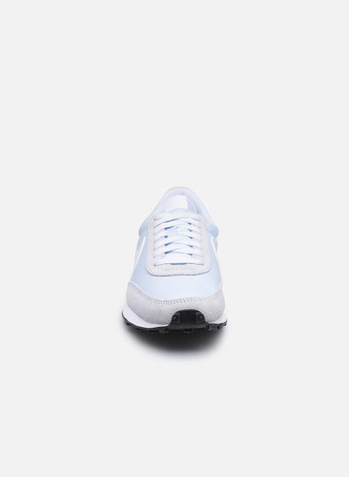 Baskets Nike W Nike Dbreak Bleu vue portées chaussures