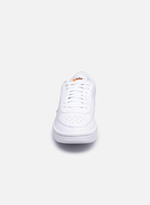 Sneaker Nike Wmns Nike Court Vintage Prm weiß schuhe getragen