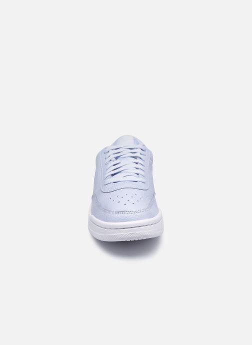 Sneakers Nike Wmns Nike Court Vintage Prm Bianco modello indossato