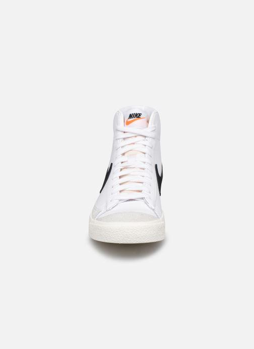 Deportivas Nike W Blazer Mid '77 Blanco vista del modelo