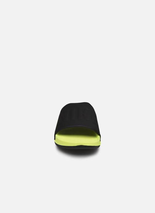 Sandali e scarpe aperte Nike Nike Offcourt Slide Giallo modello indossato