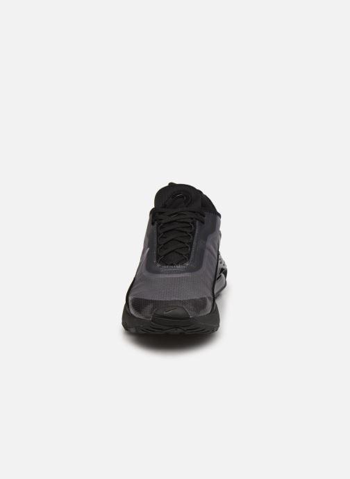 Baskets Nike Nike Air Max 2090 Noir vue portées chaussures