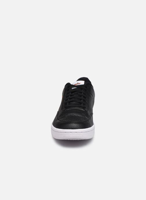 Sneakers Nike Nike Court Vintage Prem Nero modello indossato