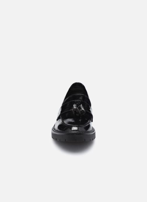 Mocassini I Love Shoes THAPIT Nero modello indossato