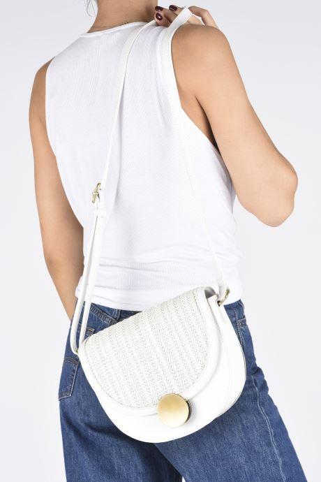 Handtaschen I Love Shoes BALI weiß ansicht von unten / tasche getragen