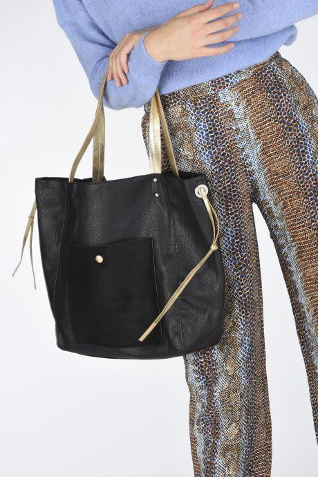 Handtaschen I Love Shoes BALEA schwarz ansicht von unten / tasche getragen