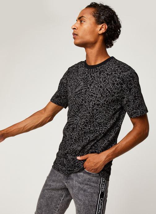 Kleding Calvin Klein Allover Print Camo Lines T-Shirt Zwart detail