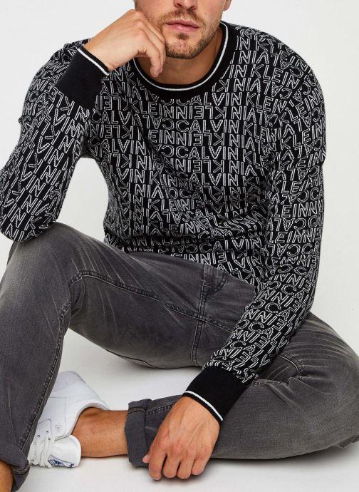 Kleding Calvin Klein All Over Jacquard Logo Sweater Zwart detail