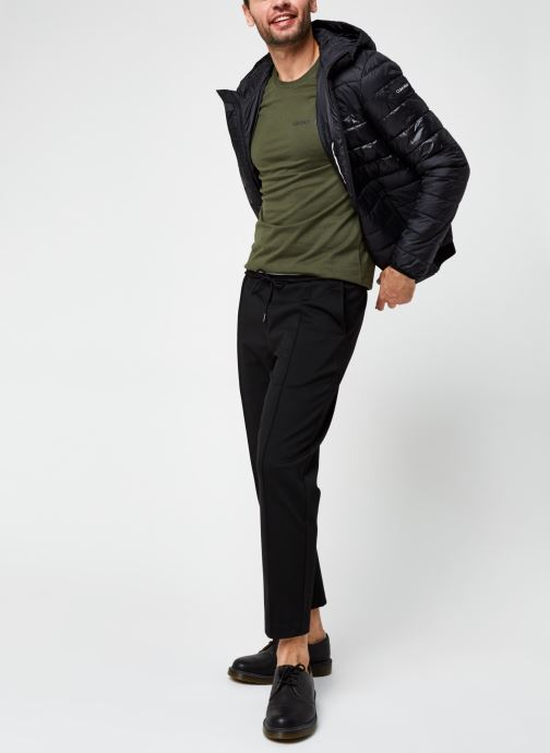 Vêtements Calvin Klein Jeans Institutional Chest Logo Ss Tee Vert vue bas / vue portée sac