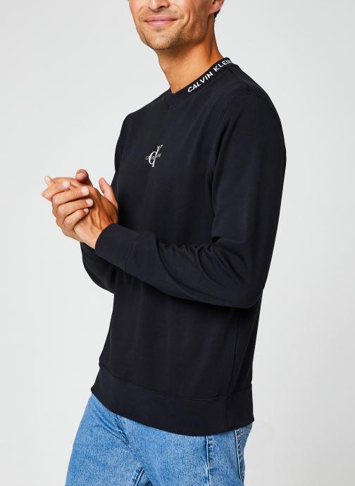 Vêtements Calvin Klein Jeans Center Monogram Crew Neck Noir vue droite