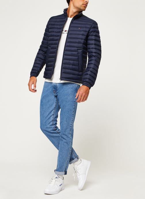 Vêtements Tommy Hilfiger Core Packable Down Jacket Bleu vue bas / vue portée sac
