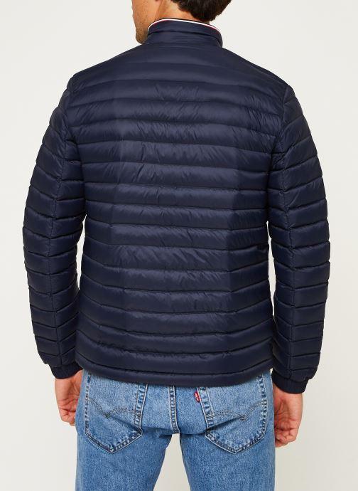 Vêtements Tommy Hilfiger Core Packable Down Jacket Bleu vue portées chaussures