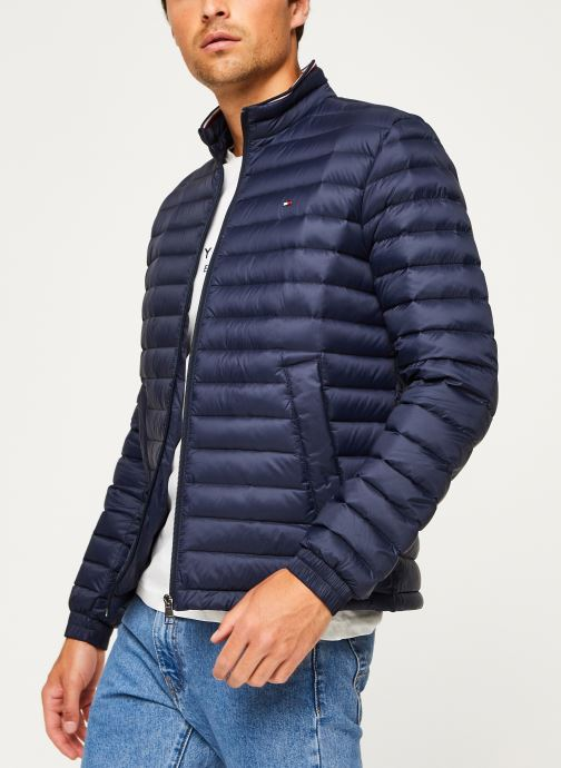 Vêtements Tommy Hilfiger Core Packable Down Jacket Bleu vue détail/paire