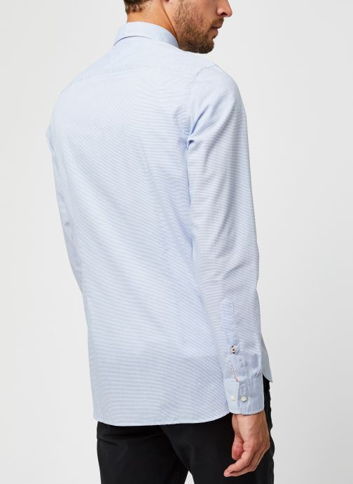 Vêtements Tommy Hilfiger Slim Small Slub Stripe Shirt Bleu vue portées chaussures