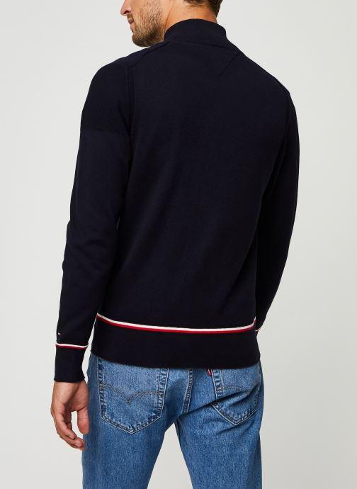 Vêtements Tommy Hilfiger Structured Branded Zip Through Bleu vue portées chaussures