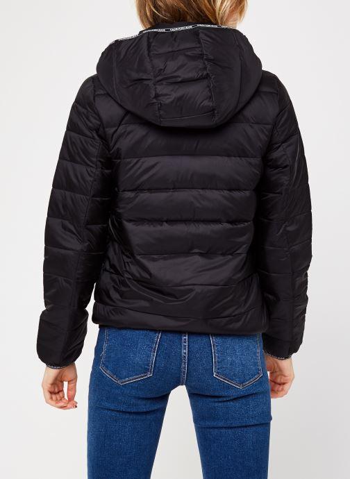Vêtements Calvin Klein Jeans Logo Binding Lw Padded Puffer Noir vue portées chaussures