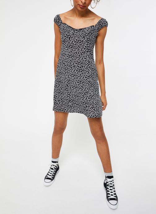 Vêtements Calvin Klein Jeans Off Shoulder Floral Dress Noir vue bas / vue portée sac