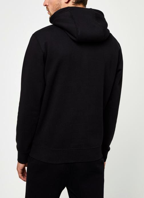 Vêtements Tommy Jeans TJM Regular Fleece Hoodie Noir vue portées chaussures