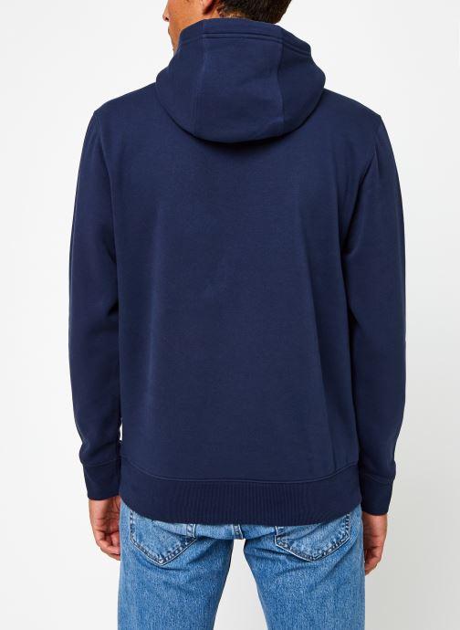 Vêtements Tommy Jeans TJM Regular Fleece Hoodie Bleu vue portées chaussures