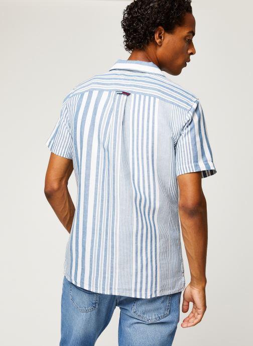 Vêtements Tommy Jeans TJM Stripe Camp Shirt Blanc vue portées chaussures