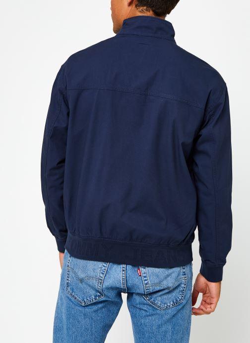 Vêtements Tommy Jeans TJM Cuffed Cotton Jacket Bleu vue portées chaussures