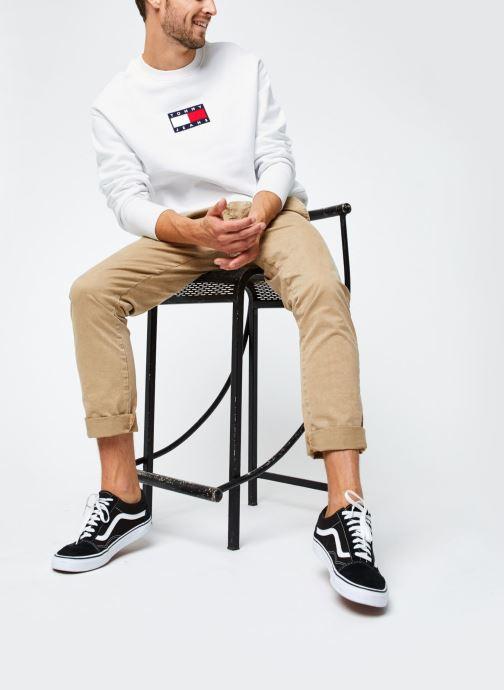 Vêtements Tommy Jeans TJM Small Flag Crew Blanc vue bas / vue portée sac