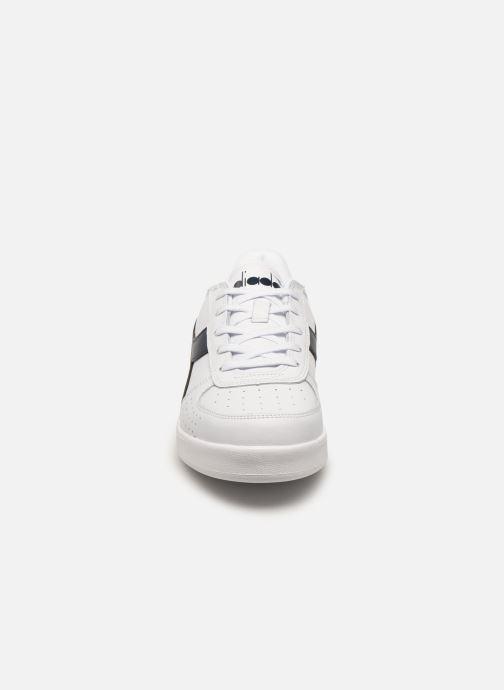 Baskets Diadora B.ELITE GS Blanc vue portées chaussures