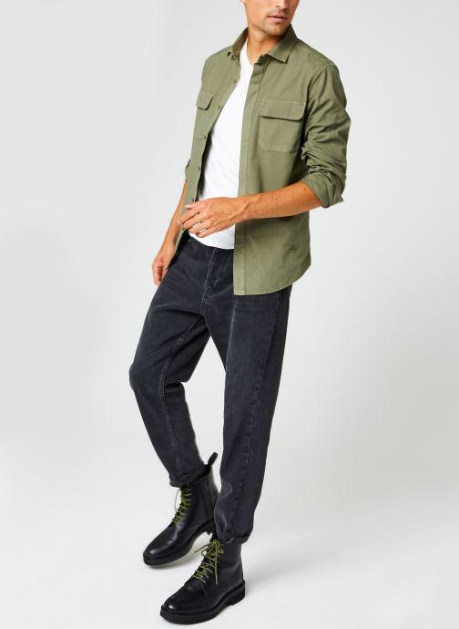 Vêtements Dockers Sustainable Utility Shirt Vert vue bas / vue portée sac