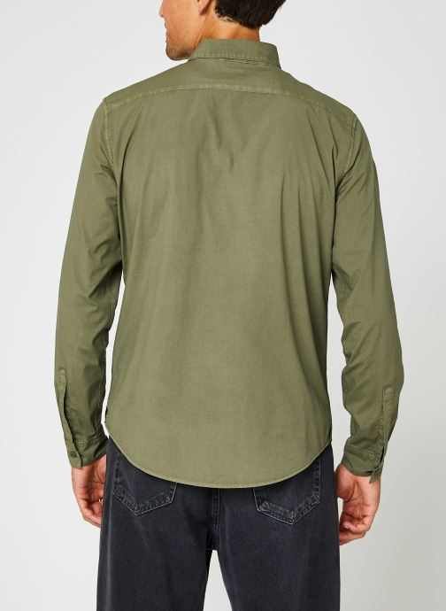 Vêtements Dockers Sustainable Utility Shirt Vert vue portées chaussures
