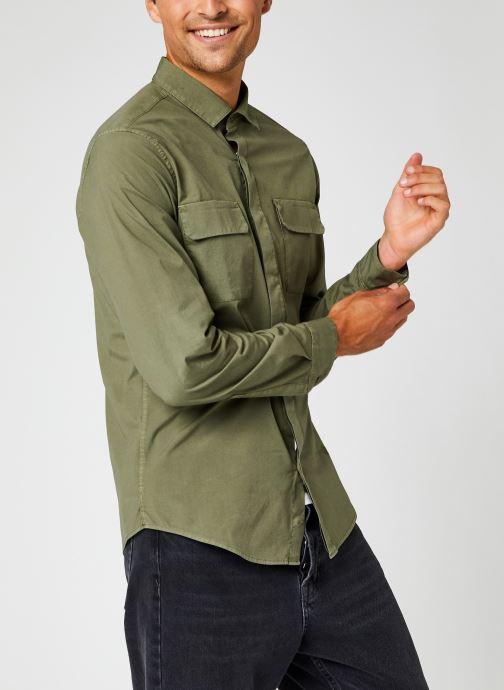 Vêtements Dockers Sustainable Utility Shirt Vert vue droite