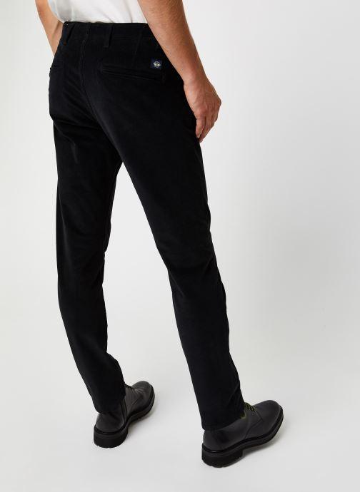Vêtements Dockers Smart 360 Flex Alpha Slim Cord Noir vue portées chaussures