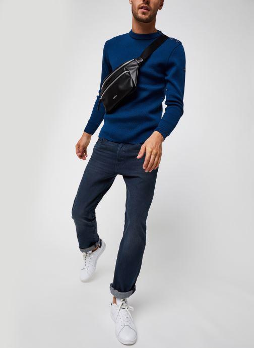 """Vêtements Armor Lux Pull marin uni """"Fouesnant"""" Homme Bleu vue bas / vue portée sac"""